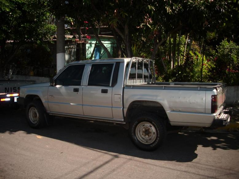 Comprar Pick Up Doble Cabina Mitsubishi año 1998