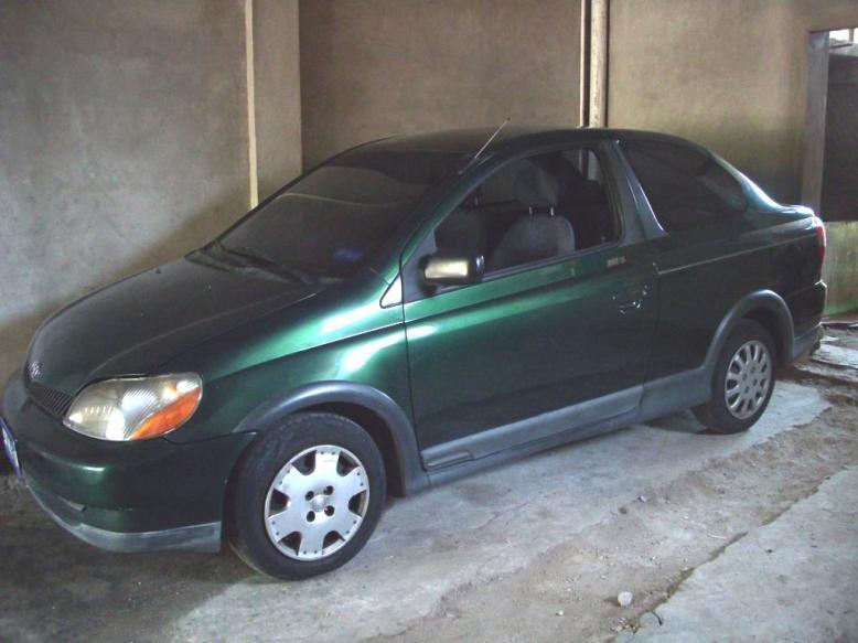 Comprar Toyota Echo Año 2000