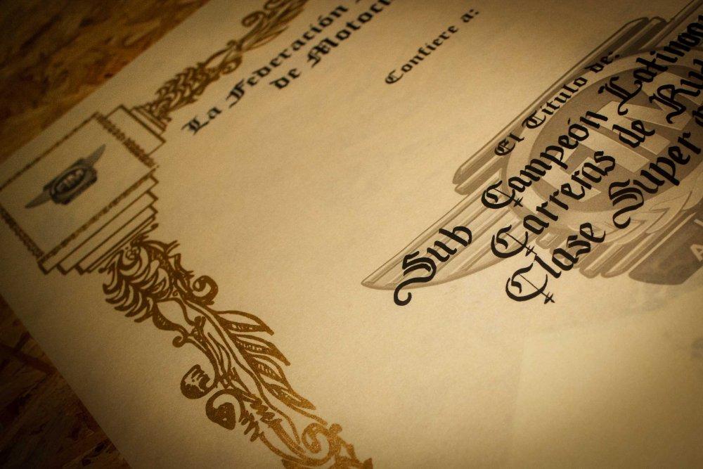 Comprar Diplomas de Reconocimiento con finos acabados #Corporativo
