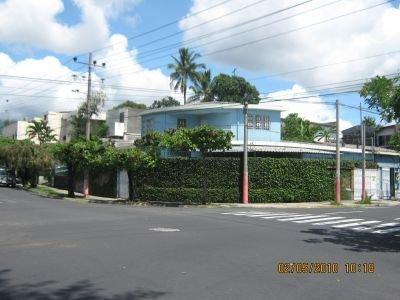 Comprar Casa de esquina ideal para vivir u oficinas en Colonia Layco San Salvador