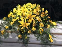 Palma para ataúd. En color amarillo [F002]