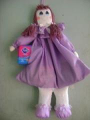 Muñeca Guarda todo